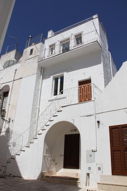 Facciata ristrutturata - Renovated facade - Façade rénovée